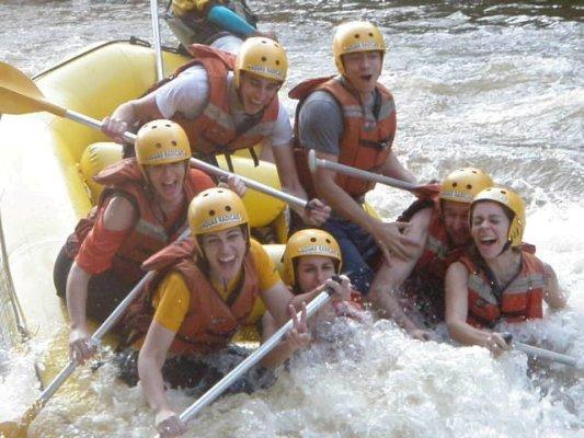 rafting em brotas com amigos