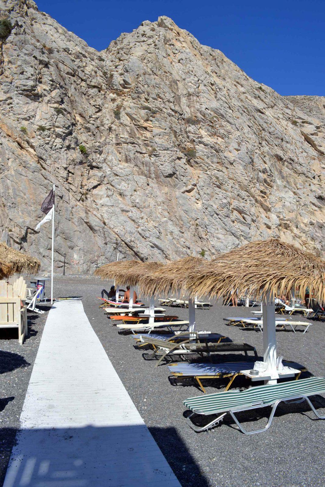 praias exóticas em santorini