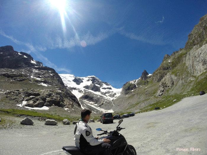moto alpes suiços