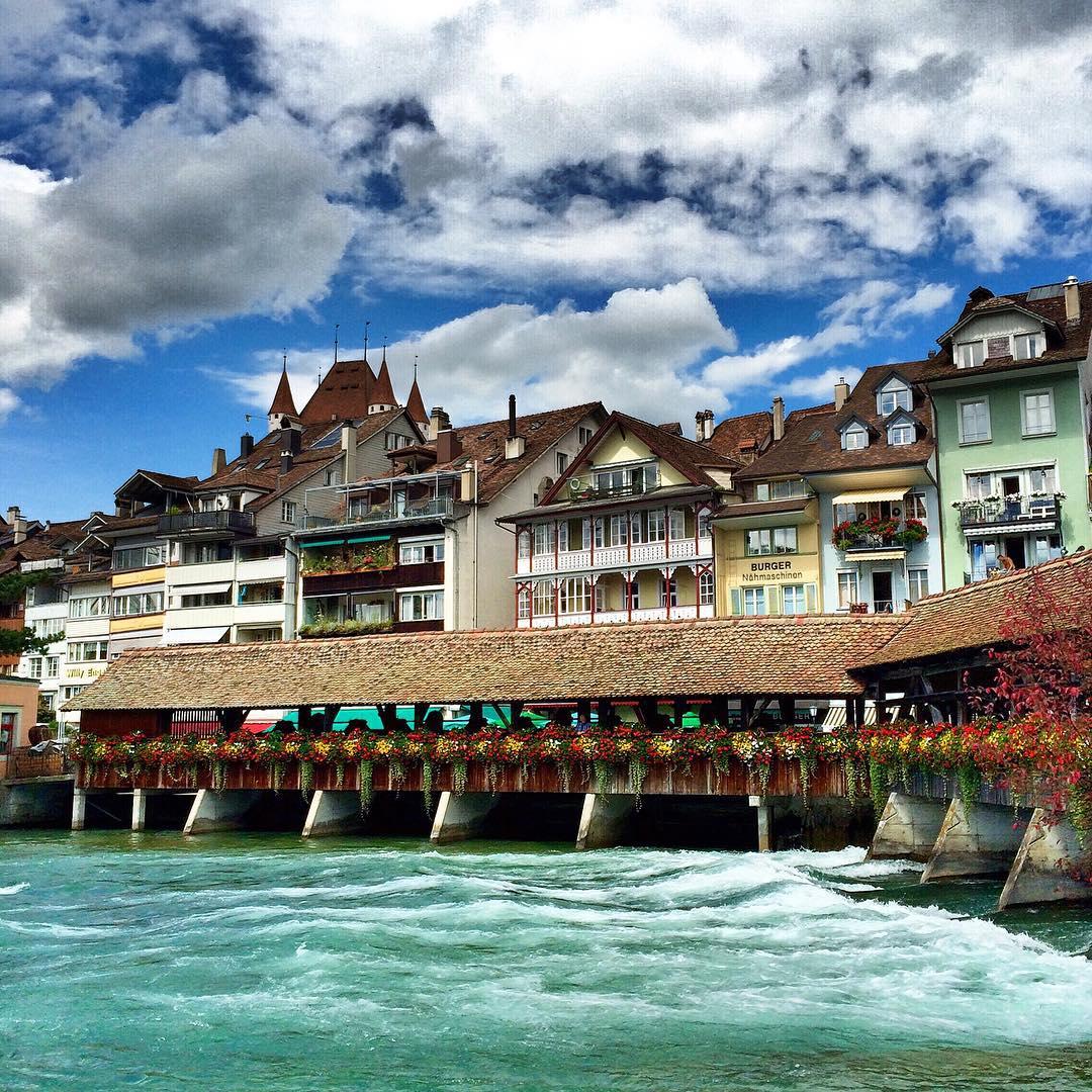 verao na suica cidade de thun