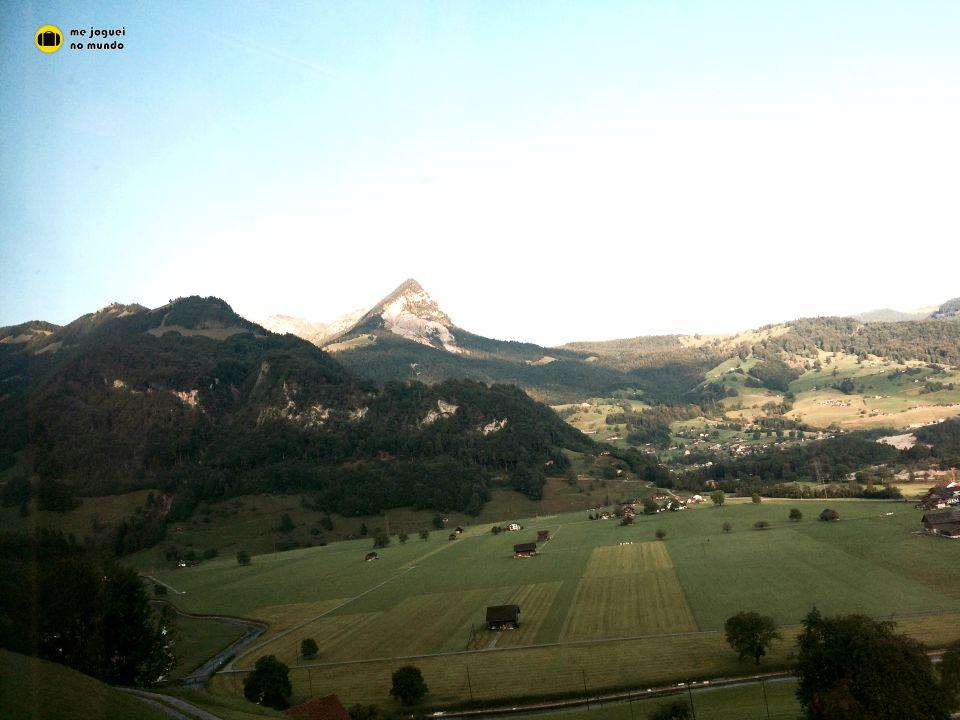 alpes paisagem trem suiça