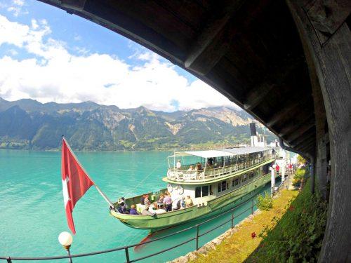 passeio de barco lago de brienz em interlaken