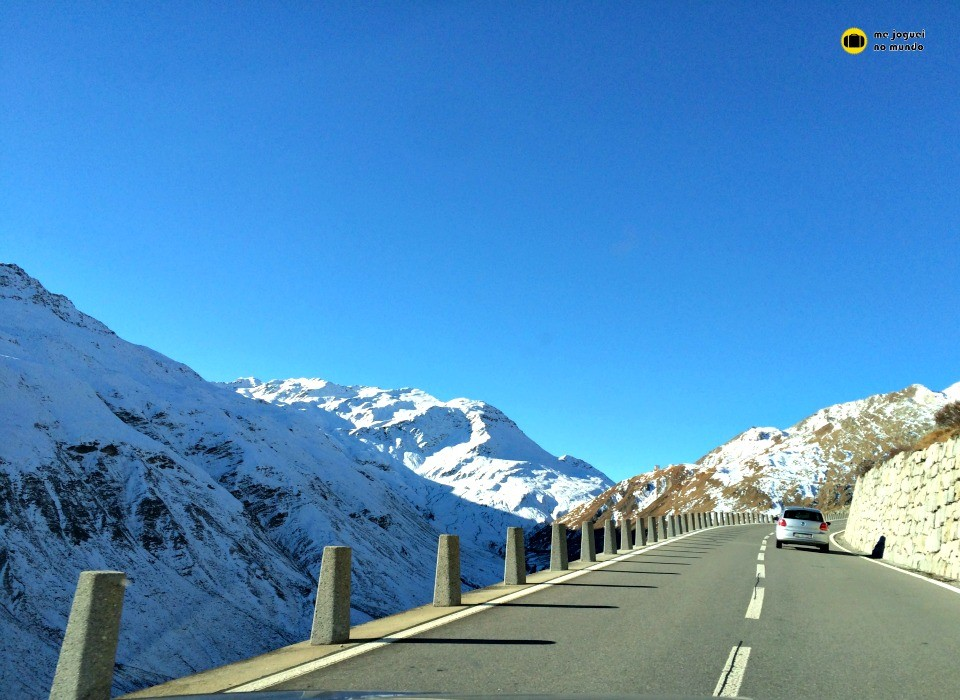 furkapass estrada suiça