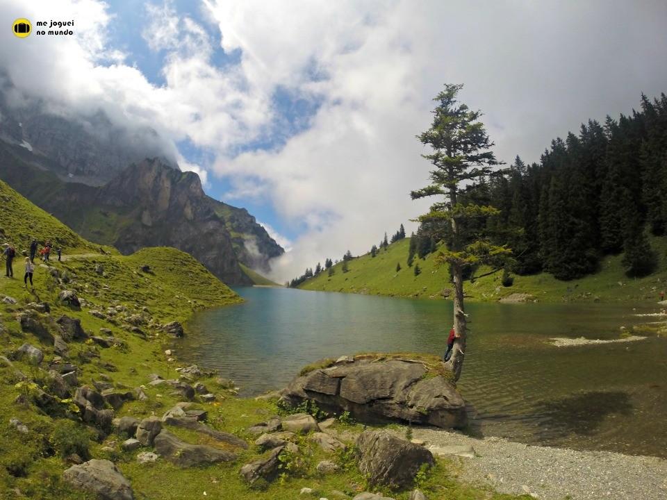 Hiking suíça lago bannalp