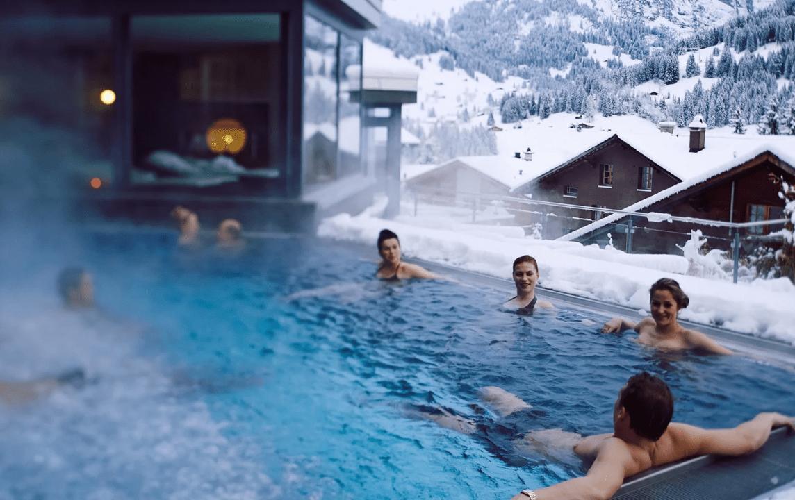 hotel piscina aquecida inverno suiça