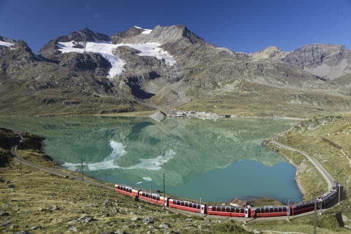 trens panoramico Bernina express