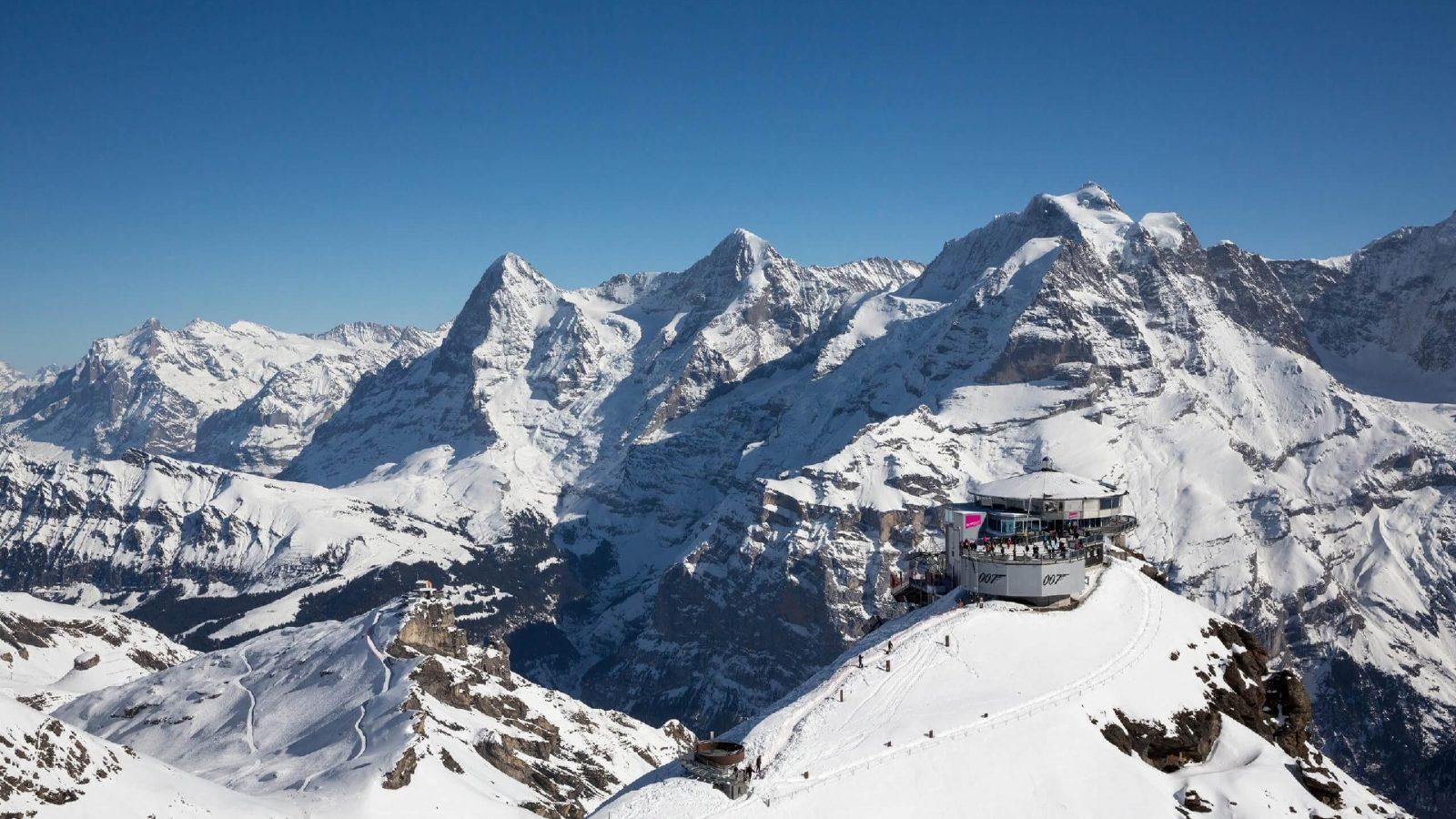 passeios d emontanha no inverno na suiça