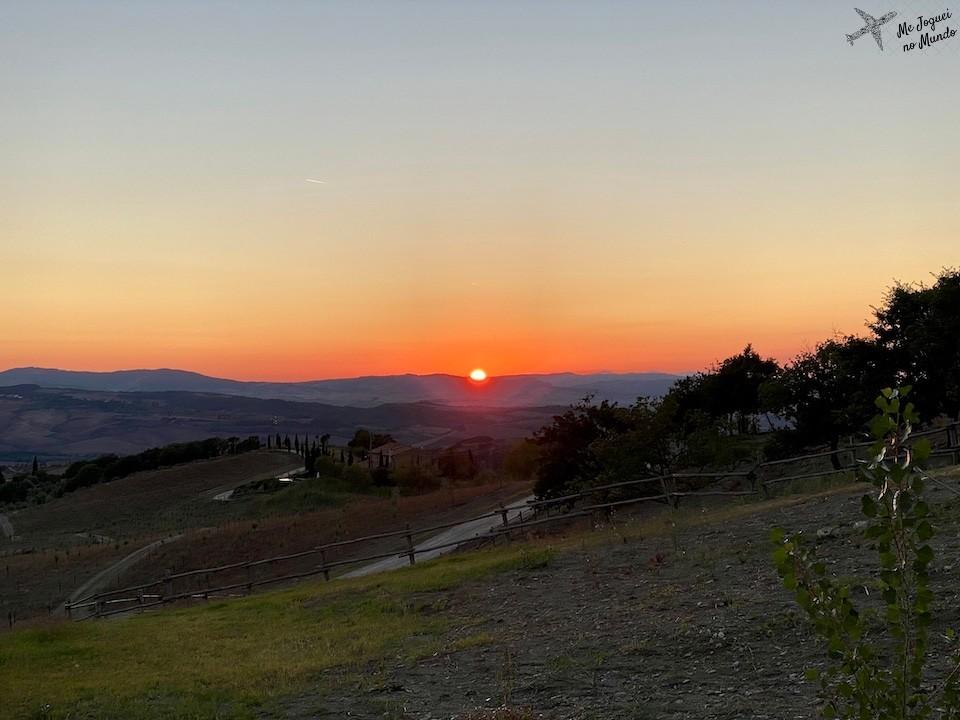 pôr do sol na toscana, paisagem no valdorcia