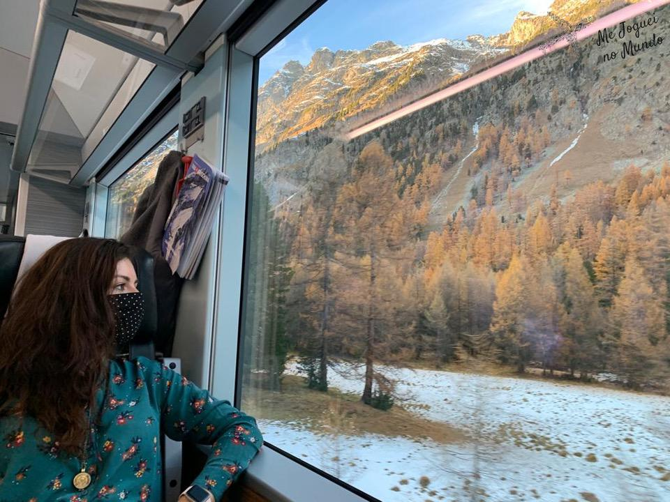 andar de trem na suíça no outono