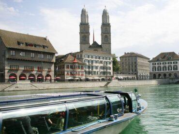 barco rio limmat zurique