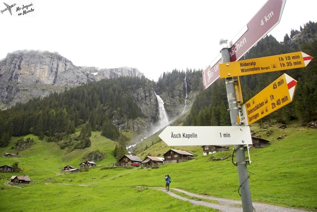 placas e sinais trilhas suica